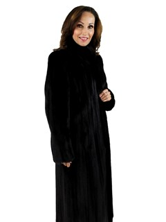 Woman's Ranch Female Mink Fur Coat with Fur Up Detail on Collar and Front