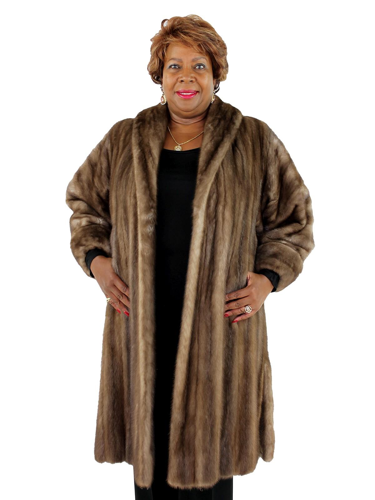 Woman's Lutetia Mink Fur Coat