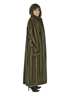 Woman's Lunaraine Female Mink Coat with Belt