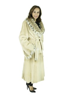 Woman's Blush Semi-sheared Mink Fur 7/8 Coat