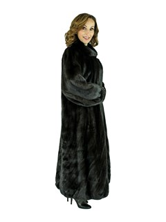Woman's Ranch Female Mink Fur Coat with Directional Body