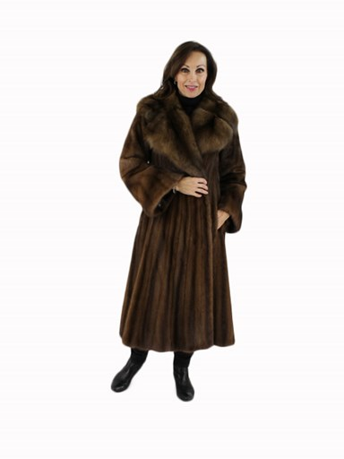 Lunaraine Female Mink Fur Coat w/ Large Sable Collar