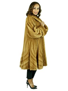 Woman's Whiskey Female Mink Fur Trumpet Swing Stroller with Directional Body