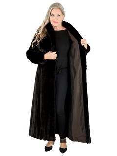Woman's Ranch Female Mink Fur Coat Reversing to Rain Taffeta
