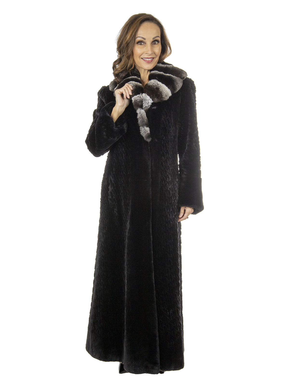 Musi Woman's Black Sheared And Laser Grooved Beaver Fur Coat with Cross Cut Chinchilla Collar