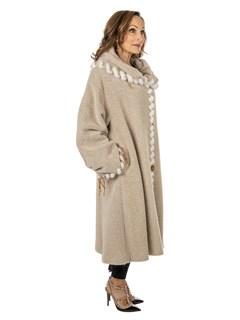 Woman's Italian Cream Alpaca Wool Stroller with White Mink Trim