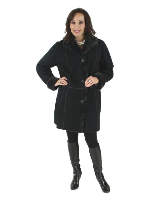 Woman's Black Shearling Stroller with Gray Snow Top Laser Cut Fleece