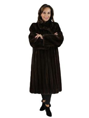 Dark Mahogany Female Mink Fur