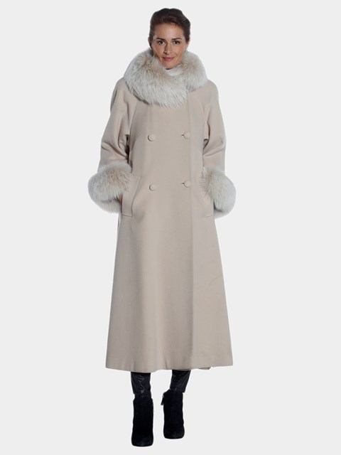 Woman's Beige Cashmere Coat with Fox Fur Trim