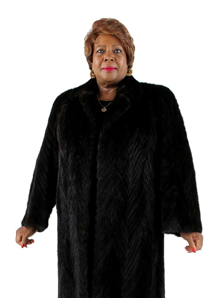 Woman's Black Chevron Pattern Mink Fur Coat