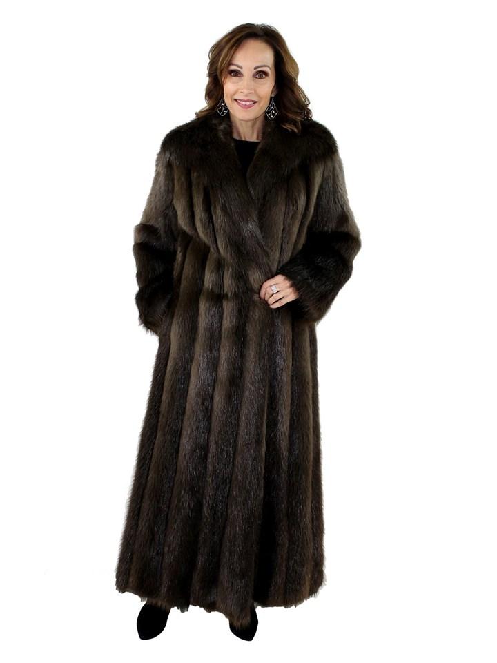 4b91fcbe6c8 Woman's Chestnut Long Hair Beaver Fur Coat