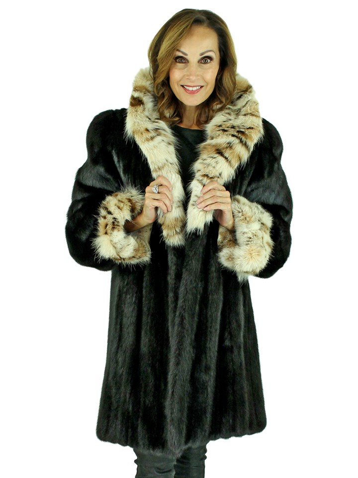 Woman's Ranch Female Mink Fur Stroller with Cat Lynx Collar and Cuffs
