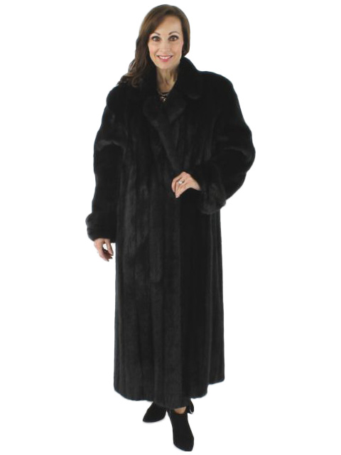 Female Ranch Mink Fur Coat - Women's Medium | Estate Furs